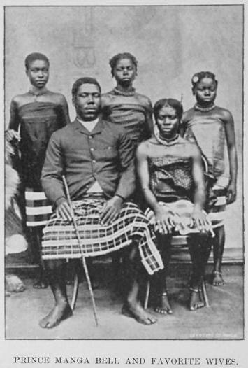 Le prince Manga Bell et ses épouses favorites, 1895