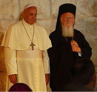 Le pape François et le patriarche Bartholomée à l'église du Saint Sépulcre à Jérusalem. 25 mai 2014.