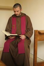 Prêtre disponible pour une confession