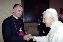 Mgr Fellay avec le pape Benoît XVI